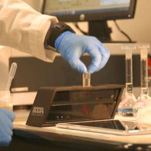 Laboratorio-DNAPhone-1-1